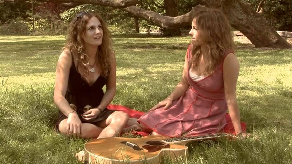 Eurovision Sisters: Niña and Djem van Dijk