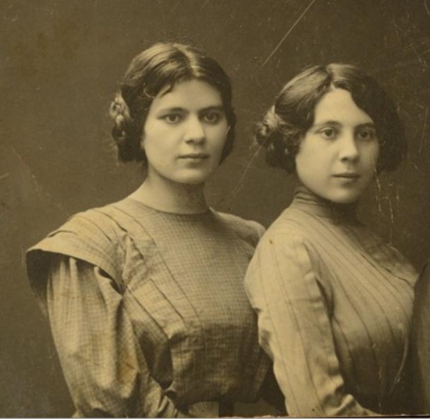 Sisters Mina (left) and Ettia (right) Mednitzky, circa 1910.