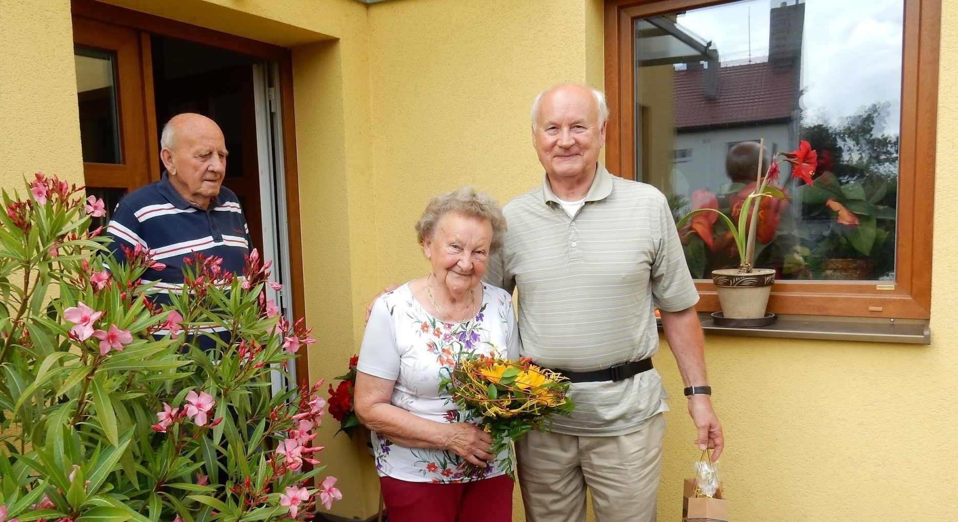 How My 86-Year-Old Grandma Found Two Brothers She Didn't Know Existed Thanks to MyHeritage