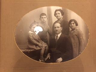 Bilde sendt til Gilad fra Shimons barnebarn, Roy Luria.